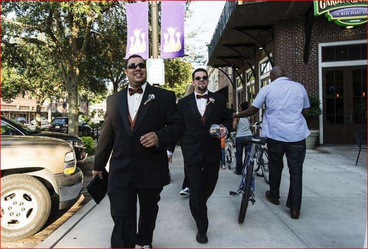 groom-heading-to-his-rock-n-roll-wedding-at-garden-theater-winter-garden