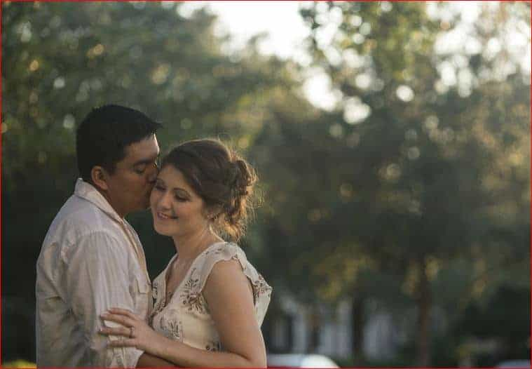 Outdoor engagement photos in Rollins College