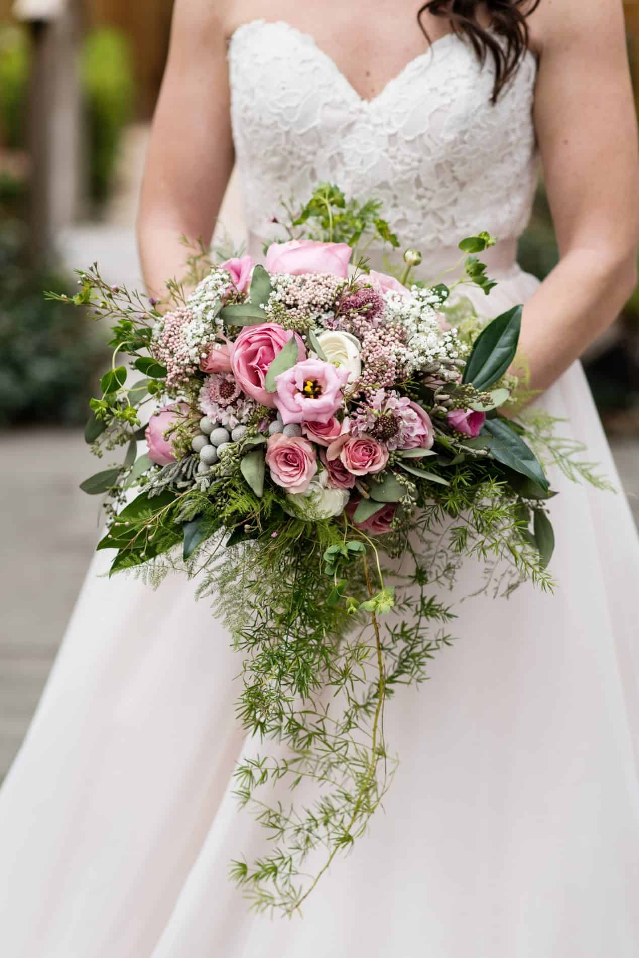 The Flower Studio Provided this Gorgeous Rustic Arrangement